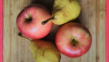 2 apples, 2 pears