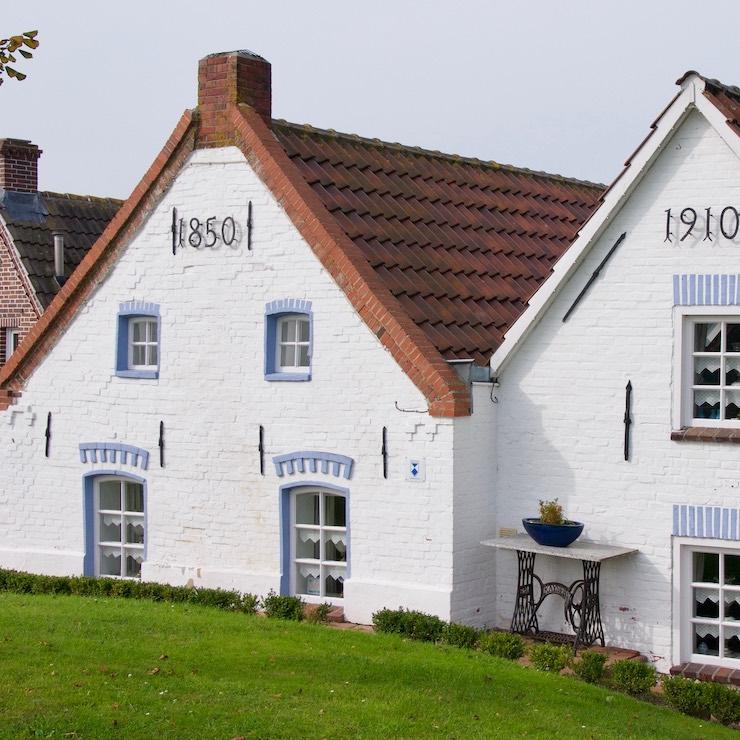 2 Eastern Frisian houses